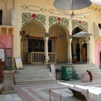 941139194Vrindavan_Radha_Damodar_Mandir_Main